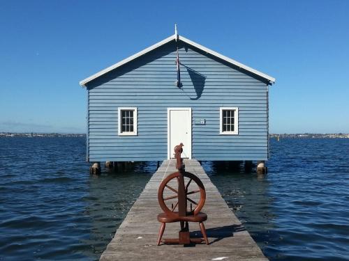 boathouse single use2